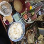 囲炉茶屋 - * 三種定食刺身付き 2850円