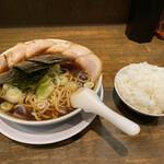 丸 中華そば - ラーメン&ライス