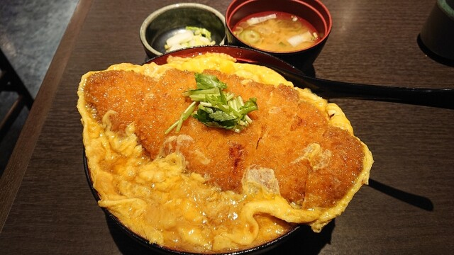 郷どり 燦鶏 丸の内店の料理の写真