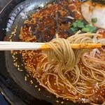 一竜 - 麺は細ストレート