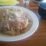 金&銀 - 料理写真:焼きそばと味噌汁