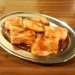 ホルモン青木 - 料理写真:ホルモン ぷるっぷるで美味しい!明日のお肌が楽しみになる一品