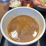 長男、もんたいちお - 特製つけ麺のつけ汁