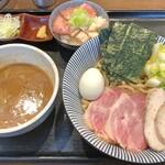 長男、もんたいちお - 特製つけ麺 + ミニチャーシュー丼(レアチャーシュー)