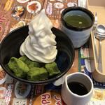 ジョナサン - 料理写真:抹茶わらび餅ソフト@549円