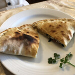 香草イタリア料理あらじん - 包み焼きピザ、リコッタチーズと生ハム