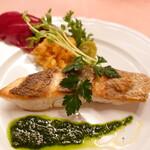 ピッツェリア・サバティーニ - 真鯛のオーブン焼きサルサベルデソース