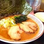 餃子楼おとど餃子食堂 - おとど流 家系 830円