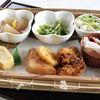 アイハウス鹿背山 - 料理写真:地元野菜たっぷり日替わり定食(鹿背山定食)