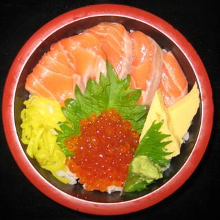 水産会社直営のため、他店では味わえない旬の魚・珍しい魚をご用意しております。