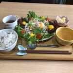 ミレット マルシェ ソラ - 淡路鶏のバンバンジー巣篭もり卵サラダ(^_^)v