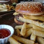 タコピザ アンド バーガーズ - チーズバーガーセット