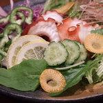 船場女将小路 - 【大阪産(もん)料理 空】漁師さんから届く新鮮な魚介を居酒屋価格で!