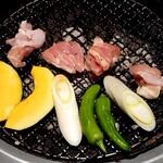 焼肉平城苑 - 侍(大)鳥と野菜