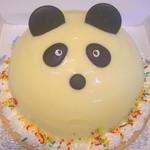セントカトリーヌ - キャラクターケーキ、中には、イチゴのクリームと、チョコレートクリーム、そしてフルーツが詰まっています