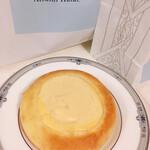 アツシ ハタエ - クリームパン