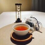 グリーチネ - ドリンク写真:滋賀 中川誠盛堂茶舗の和紅茶