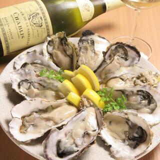厚岸直送牡蠣「まるえもん」に加え、豊富な貝をご用意
