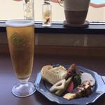 メイプル・カフェ - 「サントリーオールフリー」@480(税込)+「前菜とサラダ盛り合わせ」