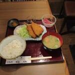 魚之屋 - アジフライとお刺身ランチ