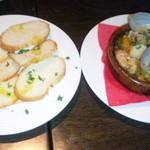 kawara CAFE&DINING - 海の幸のアヒージョ&バケット