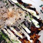 関西風お好み焼き 竹とんぼ - 料理写真:関西風お好み焼き アップで撮ったところ☆