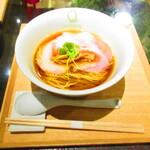 126602414 - フラッシュ不使用 醤油らぁ麺 1100円(税込)【2020年3月】