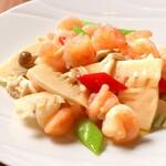 中国料理天華 - 料理写真:えびと季節野菜炒め