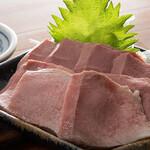 もつ焼き いしん - 豚タンの刺身(低温調理)