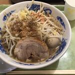 ジャンクガレッジ - 味玉ラーメン800円