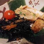 海鮮茶屋 魚吉 - 料理写真:お通し350円は鶏のピカタ