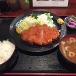 おかやま食堂 - ロースカツ定食