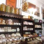 北浜レトロ - 1F 焼き菓子、紅茶、雑貨を売っている