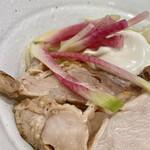 126643357 - バラバラ 麺は完全に固まってて箸を入れるとごっそり持ち上がる
