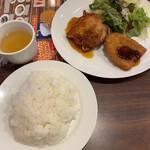 ジョナサン - 日替りランチ(チキン竜田てりやきソース&あじフライ)(ご飯大盛)