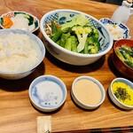 126648453 - 蒸し野菜の定食