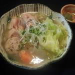 こうざん - 「鶏と野菜の塩煮込み」じっくり煮込んだ鳥と野菜、旨味たっぷりのスープも残さず召し上がって下さい。