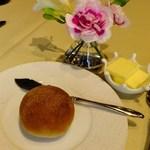 Restaurant27 - パン&バター&お花