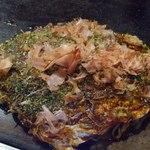 おこのみや - 料理写真:三津浜焼きのミックス焼き+そばトッピング650円