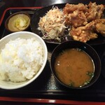 伍右ェ門 - 料理写真:からあげ定食 680円(税込)