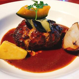 最高の素材、最高の料理。霧島市の本格イタリア料理とスイーツ。