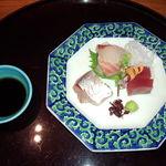 日本料理雲海 - 瀬戸内のお刺身盛り合わせ(天麩羅御膳)。