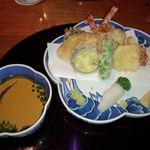 日本料理雲海 - 天麩羅盛り合わせ(天麩羅御膳)。