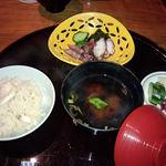 日本料理雲海 - 海産物の変り鉢・止椀・鯛御飯・香物(天麩羅御膳)。