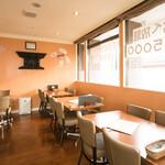 グッドフレンド タイ・インド料理 - テーブル席2
