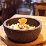 RAINBOW CAFE&WINE DINING - 石鍋チーズタコライス(¥880+税)