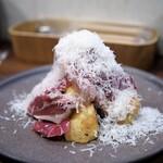 ビートイート - サルメリア69の生ハム(厚切り)とキタアカリ チーズ