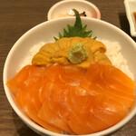 126687231 - ウニ、サーモン2食丼