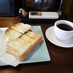 楓屋カフェ - ハム卵サンドと楓屋ブレンド