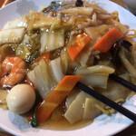 栄華 - 料理写真:五目焼きそば ¥700